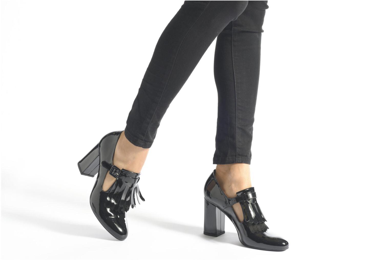 Pumps Made by SARENZA Notting Heels #7 schwarz ansicht von unten / tasche getragen