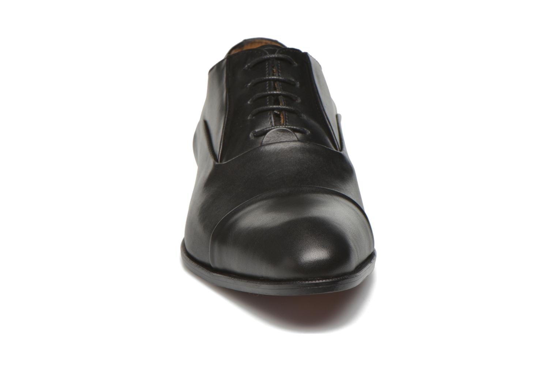 Scarpe con lacci Marvin&Co Norwood Nero modello indossato