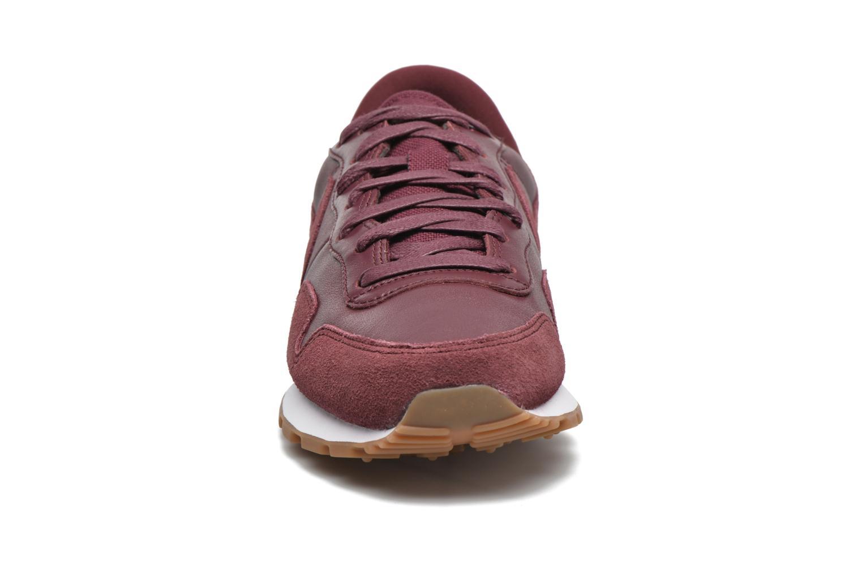 Baskets Nike Nike Air Pegasus 83 Prm Bordeaux vue portées chaussures