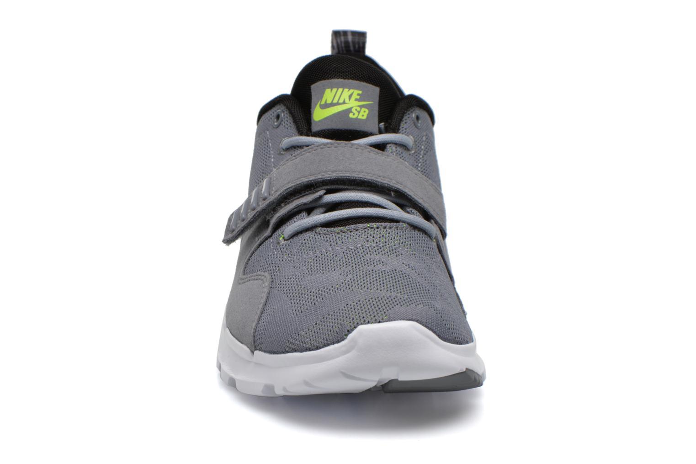 Sportschuhe Nike Trainerendor grau schuhe getragen