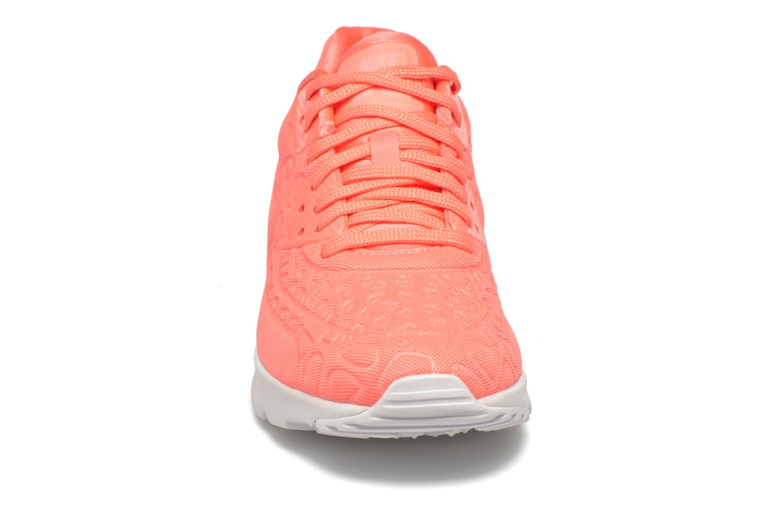 Baskets Nike W Air Max 90 Ultra Plush Rose vue portées chaussures