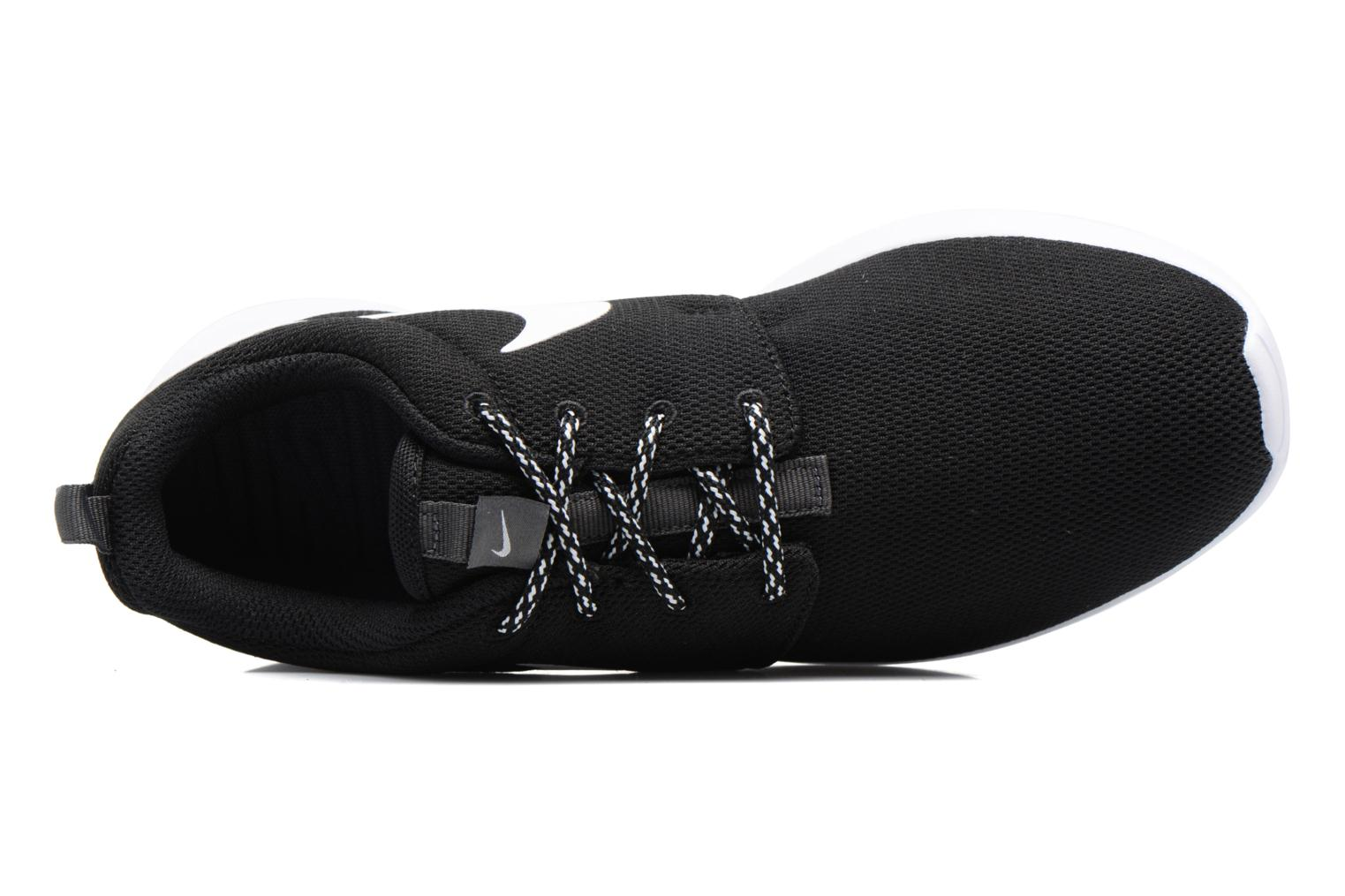 Trainers Nike W Nike Roshe One Black view from the left