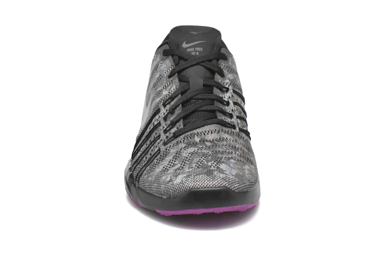 Sportssko Nike Wmns Nike Free Tr 6 Mtlc Grå se skoene på