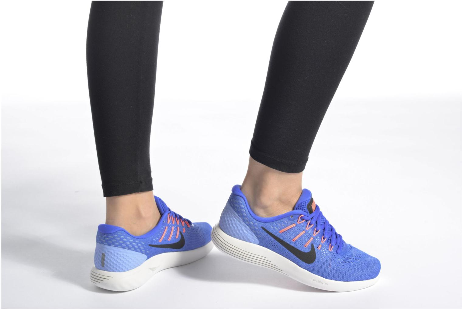 Sport shoes Nike Wmns Nike Lunarglide 8 Pink view from underneath / model view