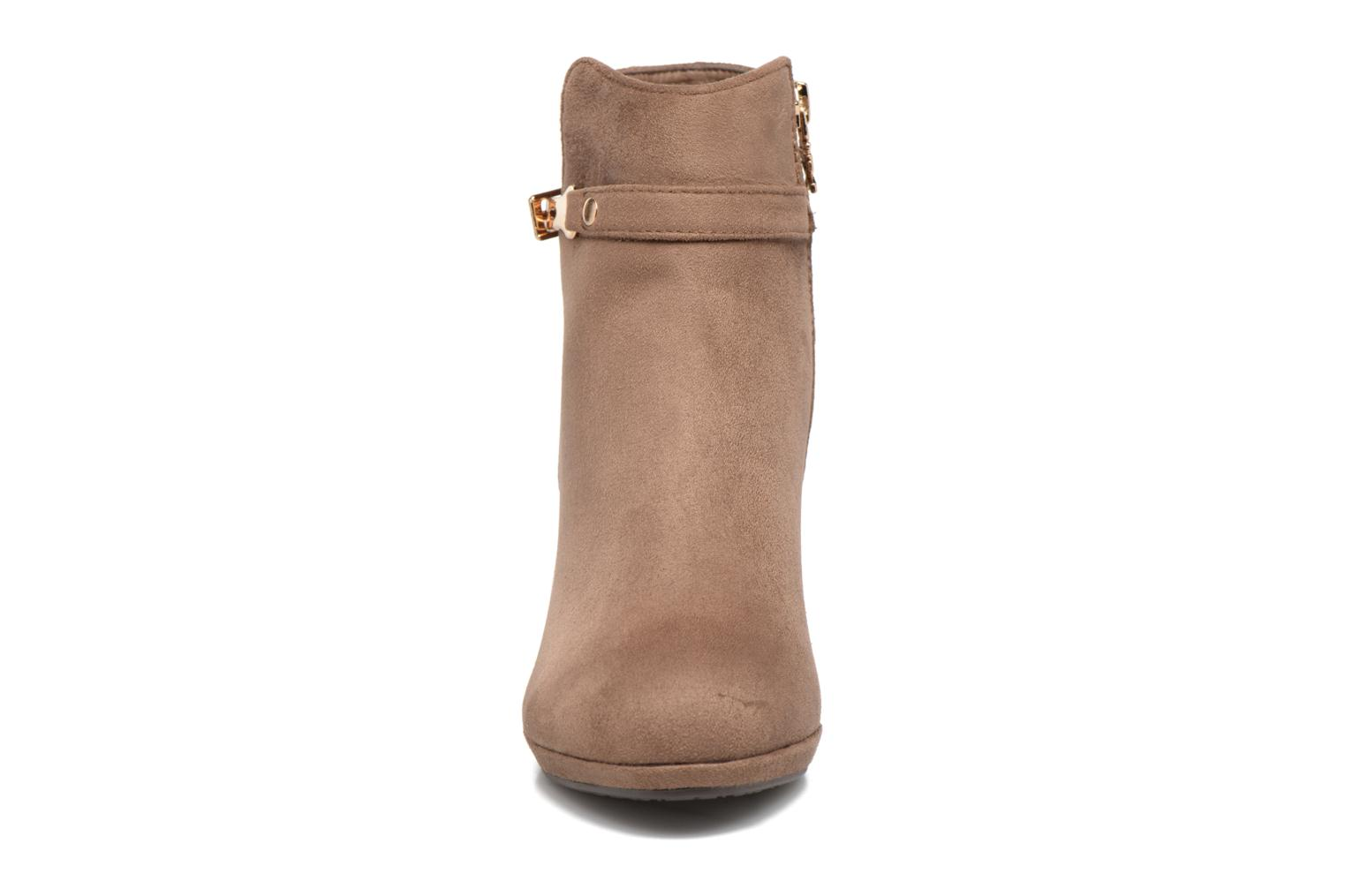 Ankle boots Xti Poppy-46013 Brown model view
