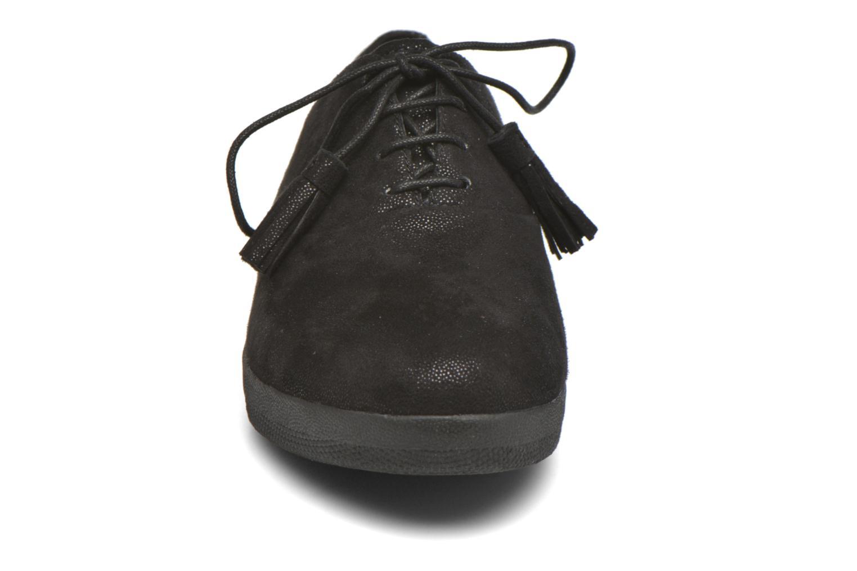 Schnürschuhe FitFlop Classic Tassel Superoxford schwarz schuhe getragen