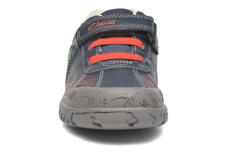 Chaussures à scratch Clarks BrontoWalk Inf Bleu vue portées chaussures