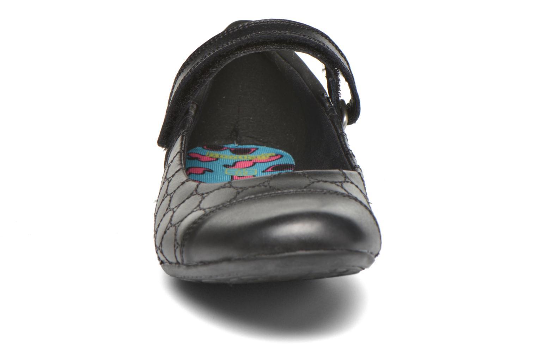 Ballerinaer Clarks Tizz Whizz BL Sort se skoene på