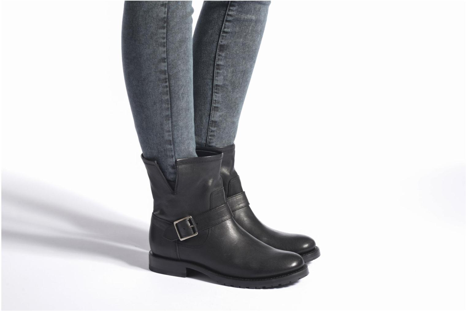 Bottines et boots Frye Natalie Short Engineer Noir vue bas / vue portée sac