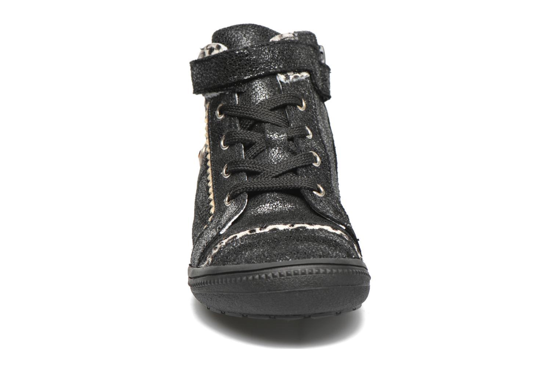 Sneaker Catimini Abeille schwarz schuhe getragen
