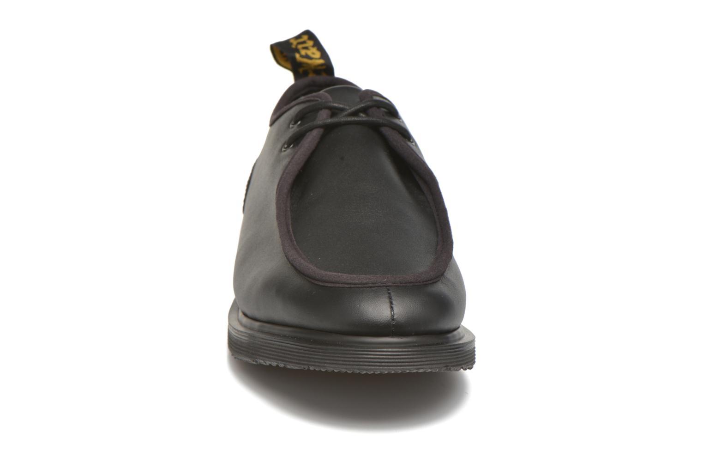 Zapatos con cordones DR. Martens Leverton Negro vista del modelo