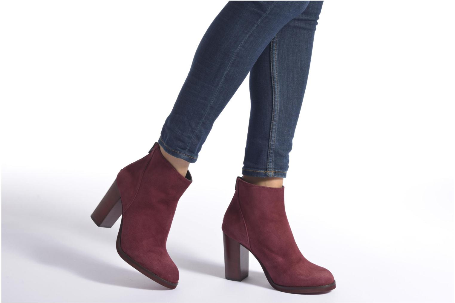 Ankle boots Minelli Orka Burgundy view from underneath / model view