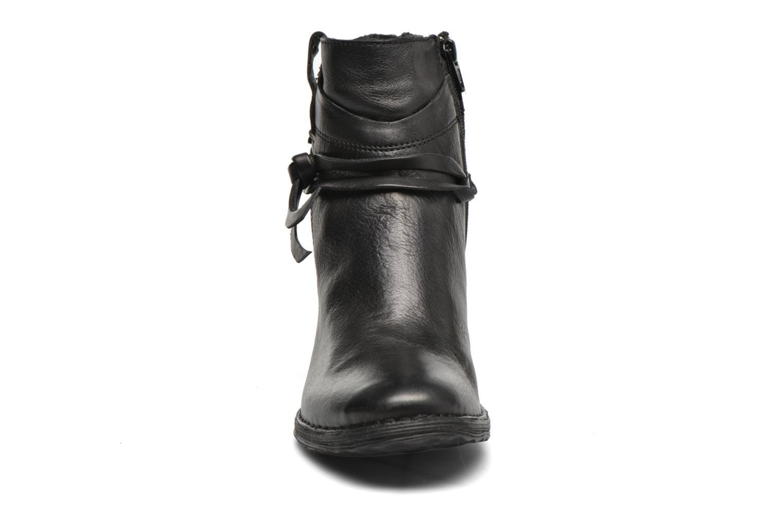 Ankle boots Khrio Oréona Black model view