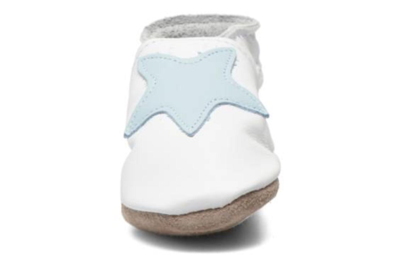 Hausschuhe Inch Blue Star weiß schuhe getragen