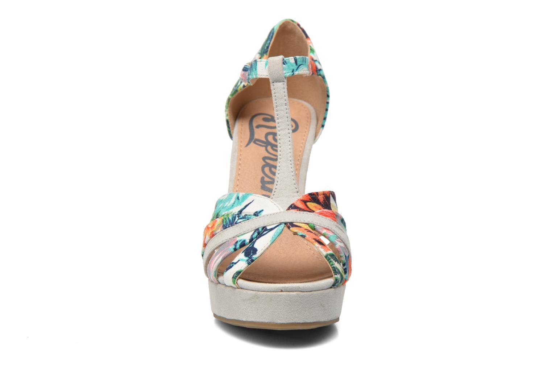Sandales et nu-pieds Refresh Fanisia-60952 Multicolore vue portées chaussures