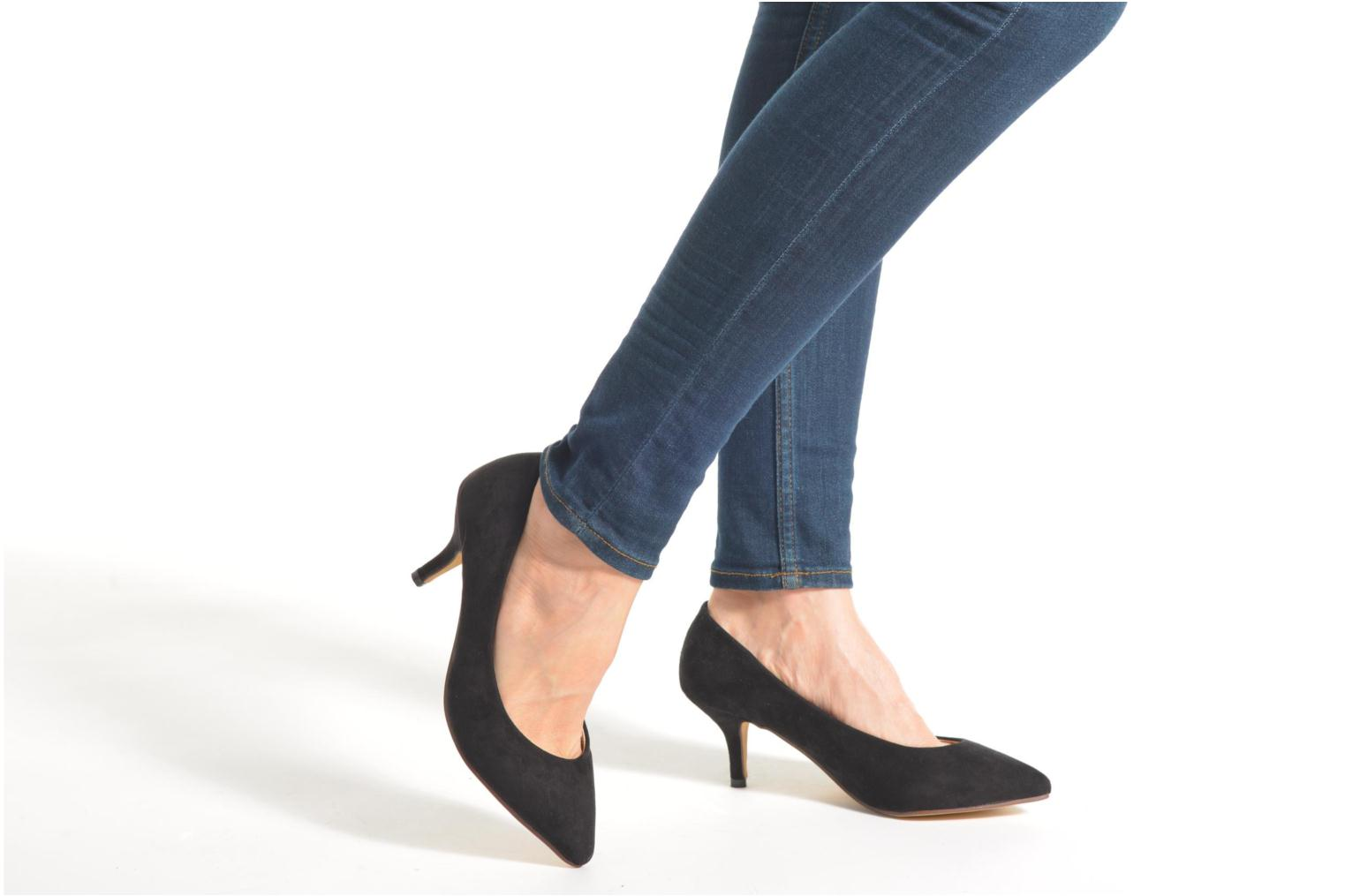 High heels Refresh Coquelina-62054 Black view from underneath / model view