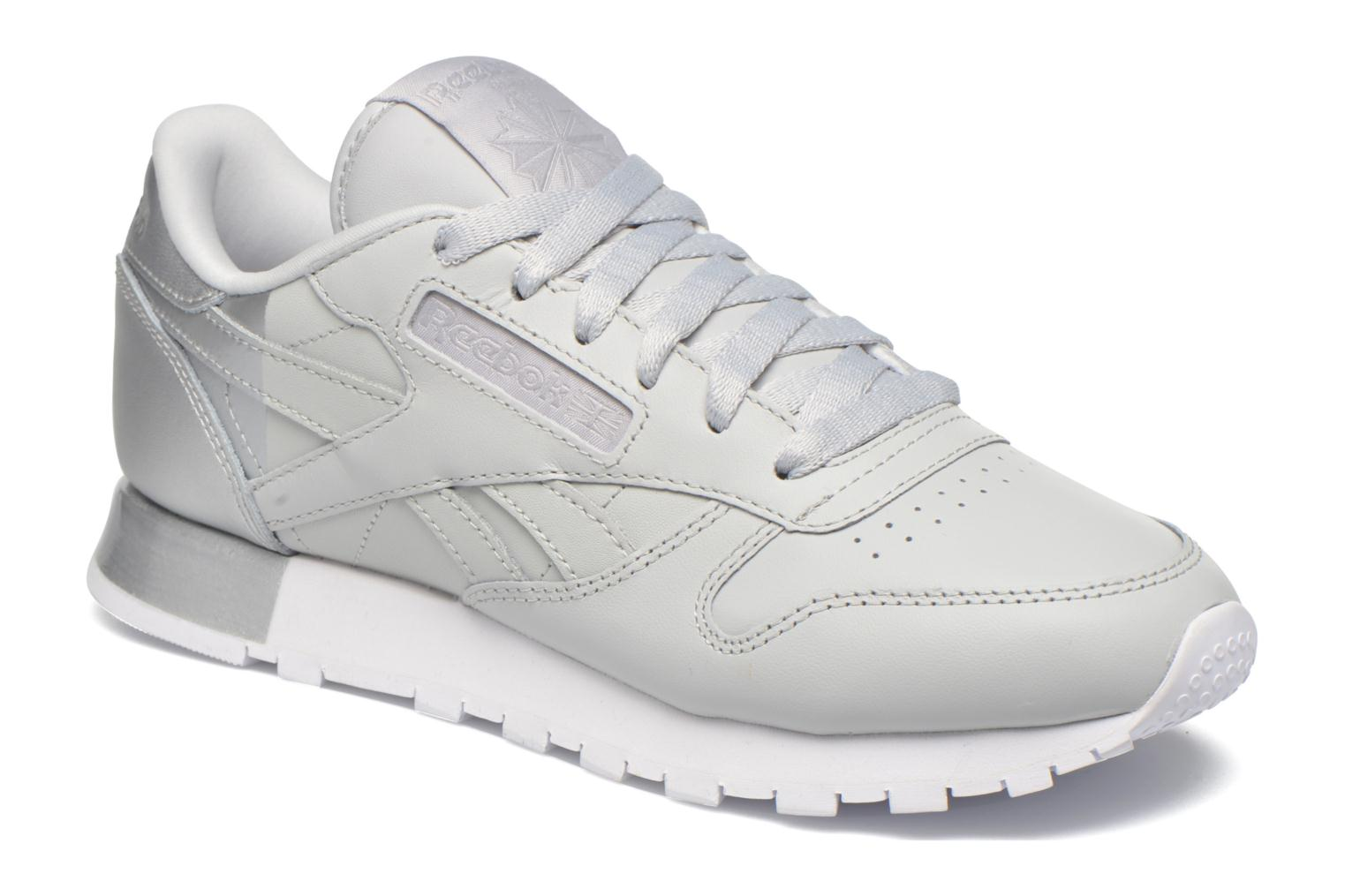 Trainers Reebok Cl Lthr Matte Shine Grey detailed view/ Pair view