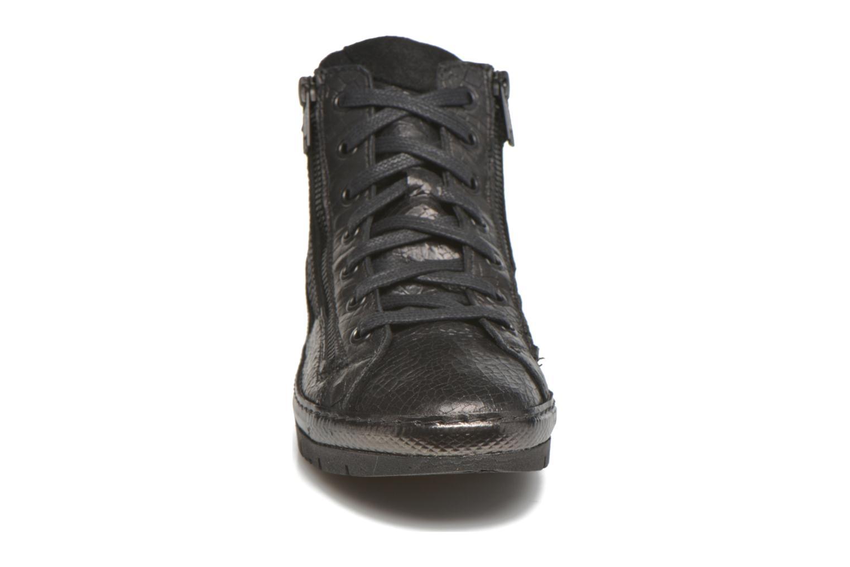 Sneaker Khrio Paola schwarz schuhe getragen