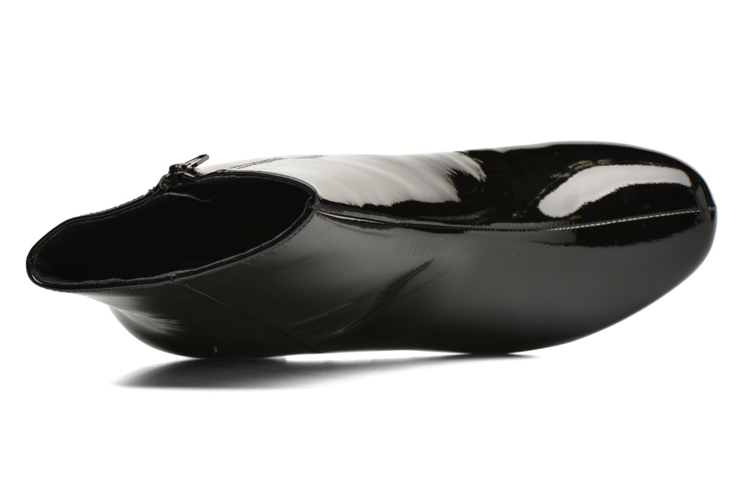 Pebble Black patent leather