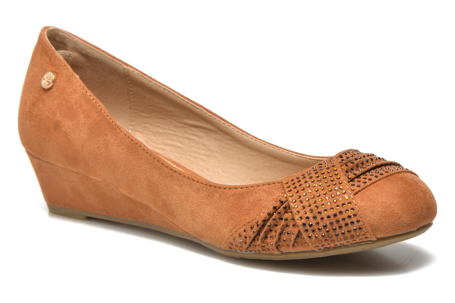 Ballet pumps Xti Sunday 45106 Brown detailed view/ Pair view