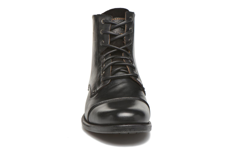 Ankle boots Levi's Emerson Lace Up Black model view