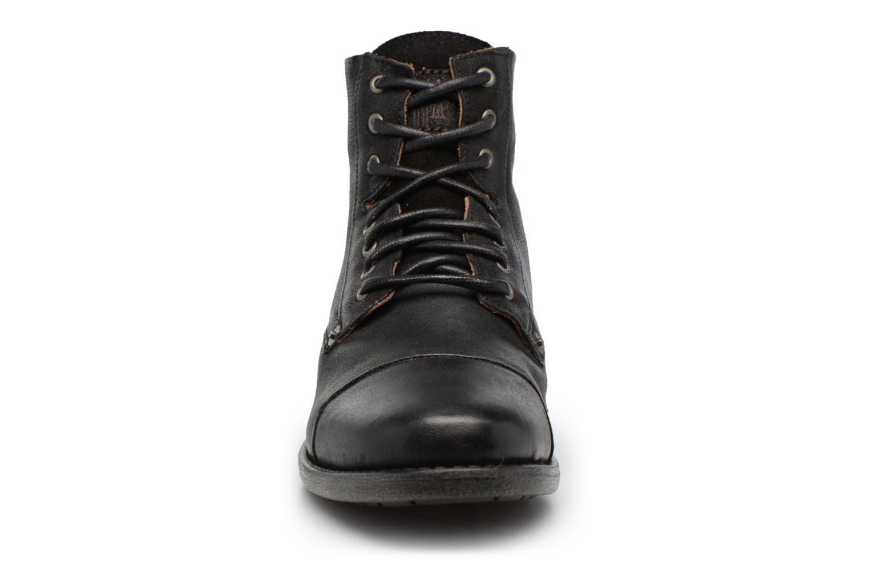 Bottines et boots Levi's Emerson Lace Up Noir vue portées chaussures