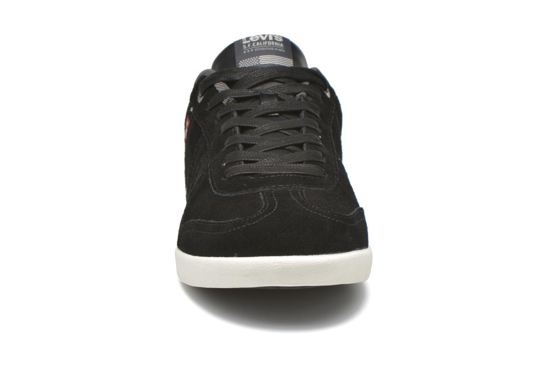 Baskets Levi's Loch Noir vue portées chaussures