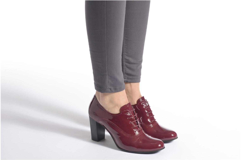 Chaussures à lacets Georgia Rose Jata Noir vue bas / vue portée sac