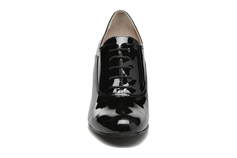 Chaussures à lacets Georgia Rose Jata Noir vue portées chaussures
