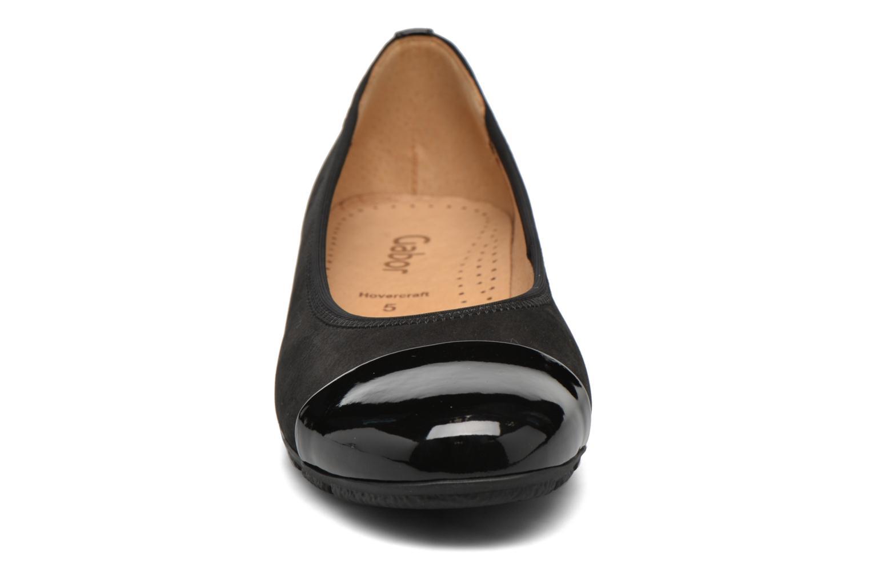 Ballerines Gabor Maje Noir vue portées chaussures