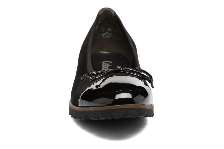 Ballerines Gabor Lidia Noir vue portées chaussures