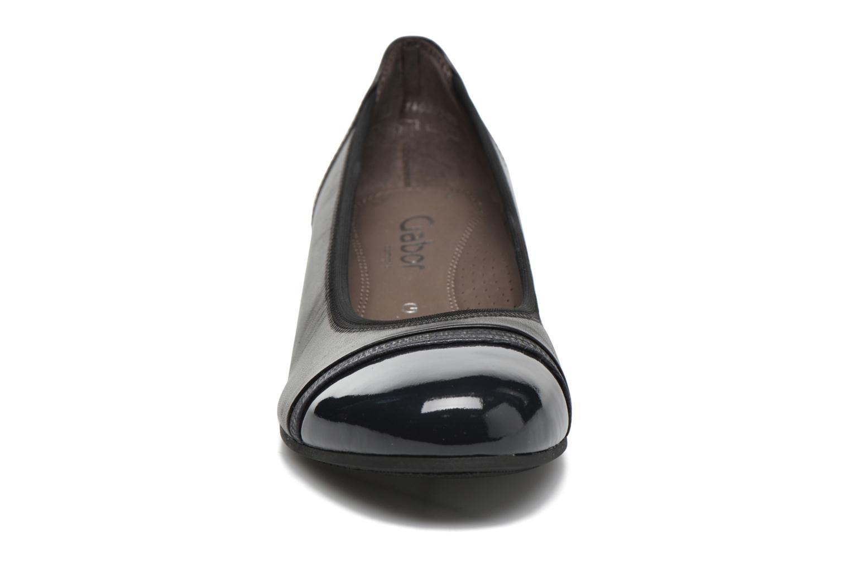 Ballerines Gabor Kreta Gris vue portées chaussures