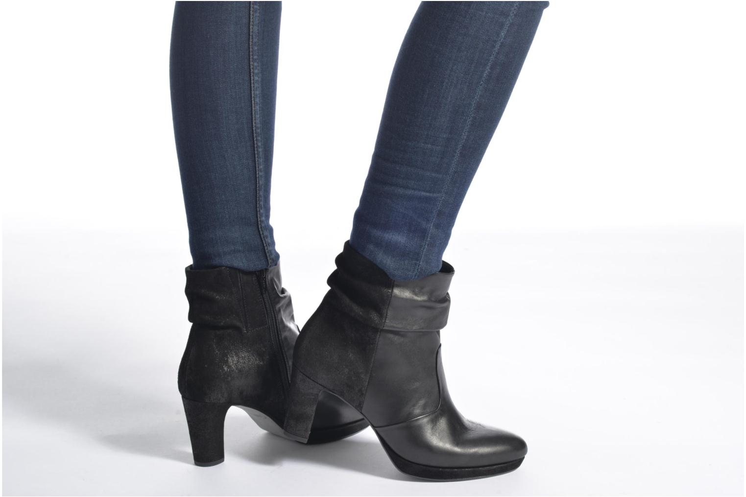 Ankle boots Gabor Nizza Black view from underneath / model view