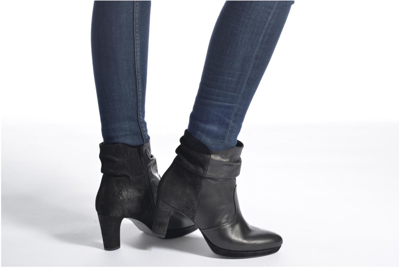 Bottines et boots Gabor Nizza Noir vue bas / vue portée sac