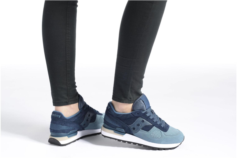 Sneaker Saucony Shadow Original Suede W blau ansicht von unten / tasche getragen