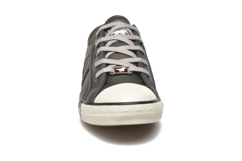 Sneaker Mustang shoes Pluy grau schuhe getragen