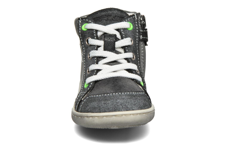 Sneaker Primigi Egle grau schuhe getragen