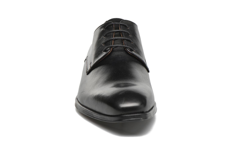 Scarpe con lacci Marvin&Co Thorne Nero modello indossato