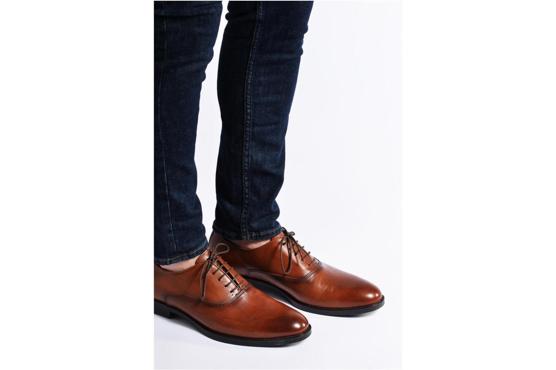 Chaussures à lacets Marvin&Co Tonbridge Noir vue bas / vue portée sac