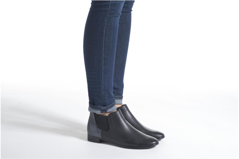 Stiefeletten & Boots Karston Joyel schwarz ansicht von unten / tasche getragen