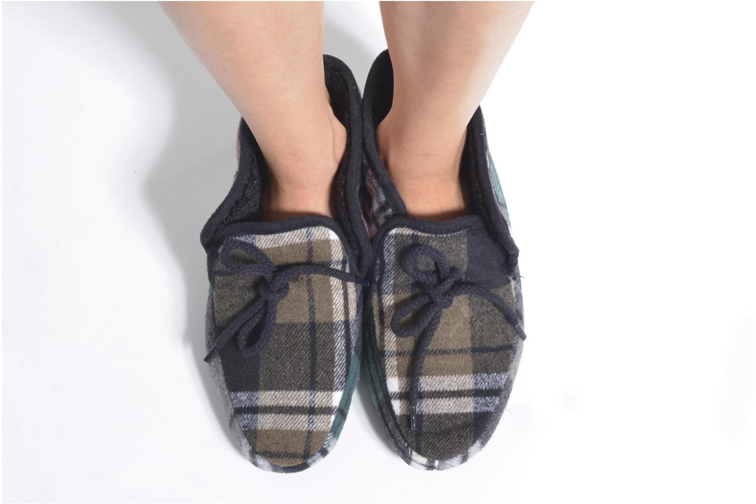 Slippers Ruby Brown Sian Black view from underneath / model view