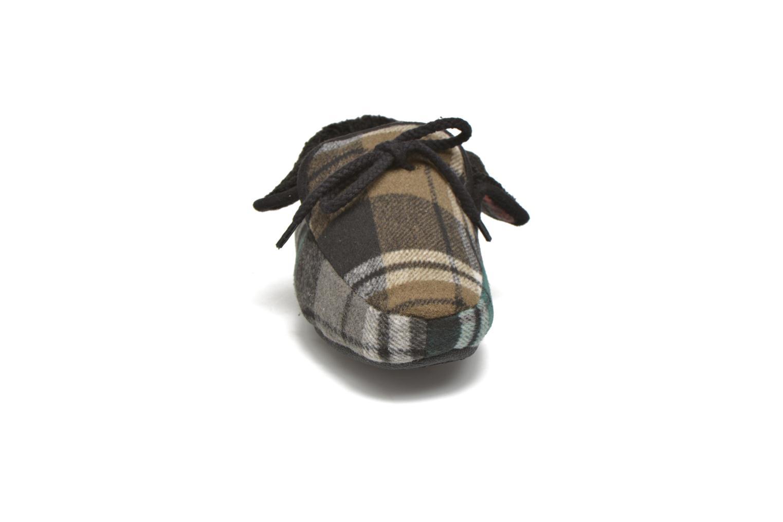 Pantofole Ruby Brown Sian Nero modello indossato