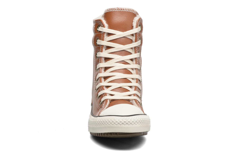 Baskets Converse Chuck Taylor All Star Hi-Rise Boot X-Hi Marron vue portées chaussures