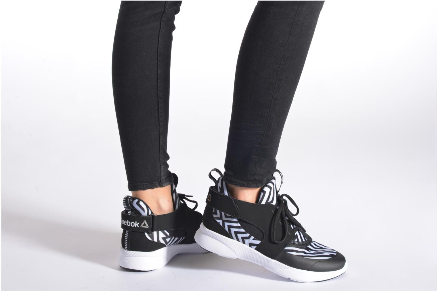 Sport shoes Reebok Sayumi Black view from underneath / model view