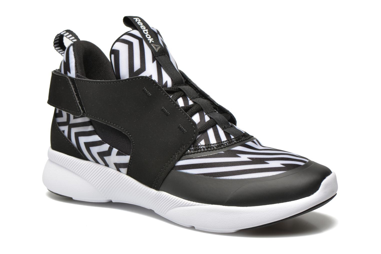 Sport shoes Reebok Sayumi Black detailed view/ Pair view