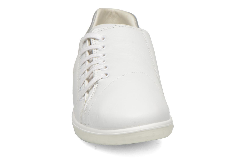 Baskets TBS Easy Walk Orrelie Blanc vue portées chaussures