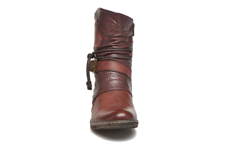 Bottines et boots Rieker Annie K1480 Bordeaux vue portées chaussures