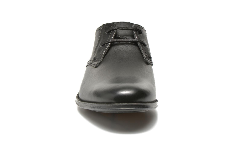 Schnürschuhe Clarks HawkleyWalk schwarz schuhe getragen