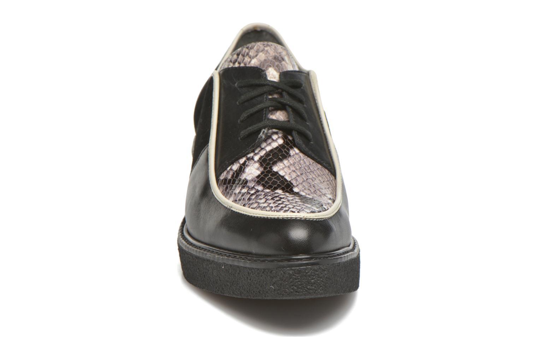 Zapatos con cordones What For Yvy Negro vista del modelo