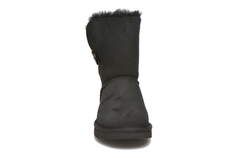 Boots UGG W Bailey Button II Svart bild av skorna på